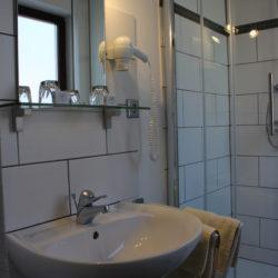 Bad - Waschtisch, Dusche