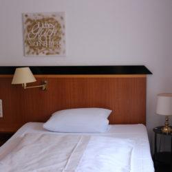 Einzelzimmer - Bett