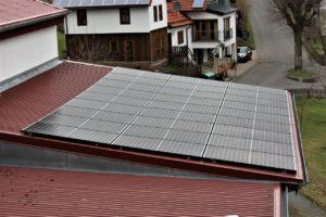 Photovoltaik-Anlage auf dem Dach vom Genussgasthof Fuldaquelle Rhön Engagement
